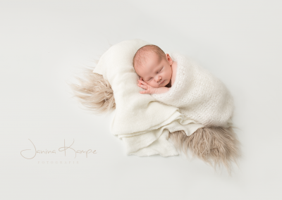 Neugeborenenfotografie129 Janina Kampe Fotografie
