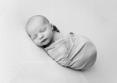 Neugeborenenfotografie167 Janina Kampe Fotografie